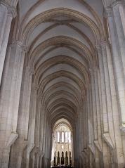 mosteiro-de-santa-maria-de-alcobac%cc%a7a-early-gothic-cistercia-church-alcobac%cc%a7a-portugal-1